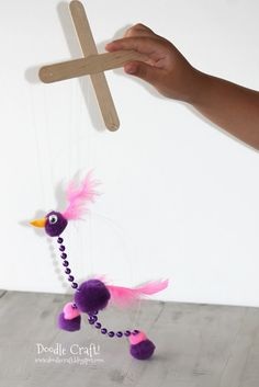 Mardi Gras Craft Activities: Easy Silly Bird Marionette with dollar store materials! Glue washers to the bottom of the feet for the right weight and a nice tap-dance sound. Projects For Kids, Diy For Kids, Craft Projects, Crafts To Do, Crafts For Kids, Arts And Crafts, Stick Crafts, Marionette Puppet, Puppets