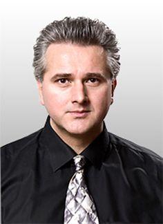 Dr. Damir Lovric ist Lehrbeauftragter für Funktionelle Neuroanatomie an verschiedenen Universitäten, Leiter des Privatinstituts 'me-di-kom' und Mitbegründer von 'Neda-Brain'.