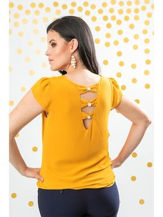 Salwar Designs, Kurti Neck Designs, Blouse Designs, Kurtis Tops, Work Attire, Fashion Outfits, Womens Fashion, Casual Wear, T Shirt