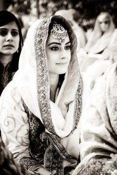 Chic & Elegant Delhi Wedding With an Old-School Charm!