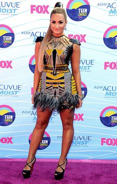 Demi Lovato in Falguni + Shane Peacock. Ah - amazing! There is so much going on here!