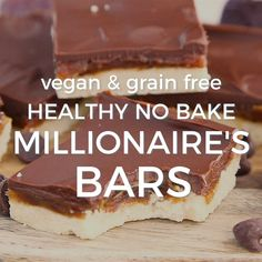 "Healthy, no-bake Millionaire's Bars! These dessert bars have a coconut flour ""shortbread"" crust, date ""caramel"" for the middle, and melted chocolate for the top. The perfect vegan and paleo friendly d Vegan Treats, Vegan Foods, Healthy Sweets, Healthy Baking, Healthy No Bake, Healthy Sweet Snacks, Easy Sweets, Healthy Cake, Snacks Saludables"