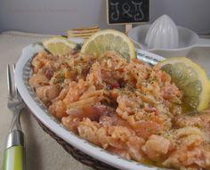 Antipasto di salmone ... oggi vi propongo un antipasto a base di salmone semplice e veloce da preparare e altrettanto gustoso  #antipasto #salmone #veloce #facile #gustoso #inguacchiando&inciarmando