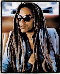 From dreadlocks to ripped jeans, Lenny Kravitz style has been evolving since the beginning of his career in 1989 Lenny Kravitz, Daniel Craig, Channing Tatum, Dreadlocks, Eminem, Happy Birthday Young Man, Black Boys, Black Men, Most Beautiful Man