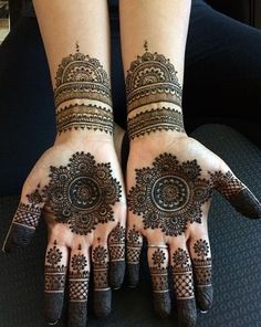 Explore latest Mehndi Designs images in 2019 on Happy Shappy. Mehendi design is also known as the heena design or henna patterns worldwide. We are here with the best mehndi designs images from worldwide. Henna Hand Designs, Dulhan Mehndi Designs, Round Mehndi Design, Mehndi Designs Finger, Simple Arabic Mehndi Designs, Mehndi Designs For Beginners, Modern Mehndi Designs, Mehndi Design Photos, Mehndi Simple