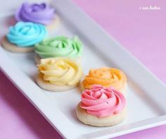 "How to make rose sugar cookies with ""awesome"" cookie icing. So easy and pretty for Easter! @ Interior Design Ideas"