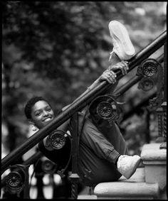 O fotógrafoJack McKain nasceu e cresceu na Virgínia, nos Estados Unidos. Após estudar publicidade, elecriou uma carreira em torno da fotografia. O sucesso de seus retratos não é por acaso. Jack consegue criar imagens fortes e sensíveis ao mesmo tempo, com um resultado impactante. Selah Marley tem música de Bob Marley e Lauryn Hill correndo nas veias Seja em cores ou em preto e branco, um dos assuntos que mais o interessa é retratar artistas negros, alguns quase desconhecidos, outros…