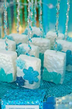 Looking to throw a Frozen birthday party? We have a huge list of Frozen party ideas, party favors, and kids party games. Frozen Themed Birthday Party, Disney Frozen Birthday, 6th Birthday Parties, Girl Birthday, Birthday Ideas, Birthday Cakes, Rice Krispies, Krispie Treats, Kids Party Games