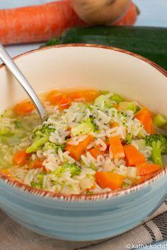 Schnelle Gemüse-Nudelsuppe - Katha-kocht!