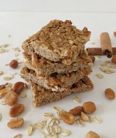 Make your own granola bars at home with this Peanut Butter and Honey Oat Bars Recipe. Works for a good healthy snack! Healthy Sweets, Healthy Snacks, Healthy Recipes, Healthy Bars, Bar Recipes, Recipies, Oat Bars, Granola Bars, Clean Granola