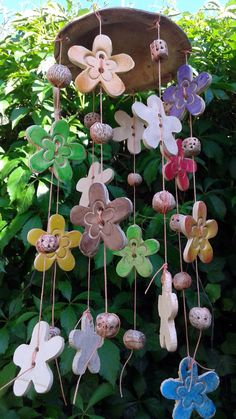Booking-chimes flower with canopy / Goods seller pet led - Ceramic chimes flower with canopy Informations About Rezervace-zvonkohra kytičková s vrchlíkem / - Clay Art Projects, Polymer Clay Projects, Clay Crafts, Diy And Crafts, Hand Built Pottery, Slab Pottery, Ceramic Flowers, Clay Flowers, Kids Clay