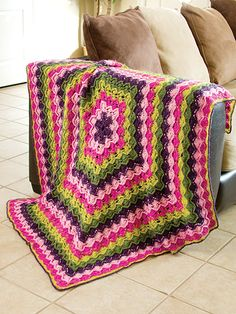 Crochet - Afghan & Throw Patterns - Granny Square & Scrap Patterns - Ring of Flowers Throw