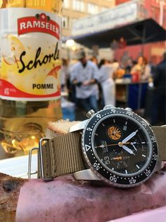 Loved this carnaval celebration in Basel on Sunday. Local go in the streets to play music ( drums and flute) the activity is fun but basel people are very Serious when they are having fun 😯.  There are sausages, hot-dogs and Swiss cheese fondue available.  _____________ With my GAVOX Squadron limited edition  #baselworld2017 #pilotwatches #basel #watches #watchfam #swiss #ramseier #sausage