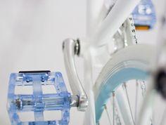POLO Original Fixed bikes · P 001 White and Blue · Detalle Pedal