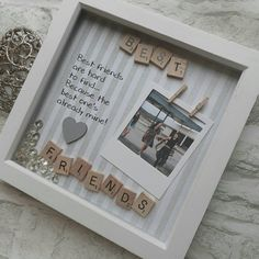 This handmade, personalised scrabble frame makes the perfect gift for a friends birthday or just because! Its a beautiful keepsake to celebrate your friendship, And a great way to tell your loved ones what they mean to you. To make this a truly personalised item, personal words or Best Friend Christmas Presents, Birthday Present Ideas For Best Friend, Diy Gifts For Friends Christmas, 21st Birthday Gifts For Best Friends, Handmade Gifts For Friends, Best Friend Crafts, Bff Birthday Gift, Handmade Birthday Gifts, Creative Birthday Gifts