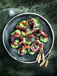 Grilled octopus with oregano potatoes and smoked paprika Recipe Octopus Recipes, Fish Recipes, Seafood Recipes, Appetizer Recipes, Cooking Recipes, Healthy Recipes, Appetizers, Seafood Dishes, Fish And Seafood