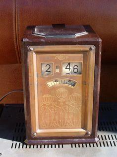 Antique GE Art Deco Bakelite Digital Flip Number Clock