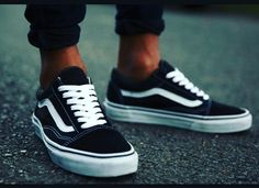 #vans #vansoldskool #black #white #shoes #tyga #kilyejenner #chrisbrown #sneakersdailyplanet #oldschool