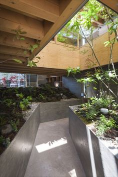 Japanese interior design house gardens in Fukuyama - Decoration World Timber Architecture, Japan Architecture, Architecture Details, Landscape Architecture, Landscape Design, Japanese Interior Design, Home Interior Design, Interior And Exterior, Indoor Garden