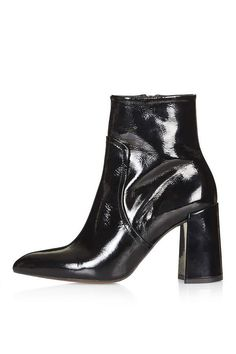 Hamptons flared heel boots