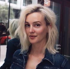 Platnium Blonde Hair, Leighton Meester Hair, Hair Inspo, Hair Inspiration, Gossip Girl Blair, Blonde Bobs, Hair Today, Hair Hacks, Hair Goals