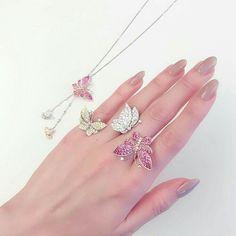 Pin by サト 栗野 on ネイル in 2020 Stylish Jewelry, Cute Jewelry, Luxury Jewelry, Bridal Jewelry, Jewelry Accessories, Jewelry Design, Hand Jewelry, India Jewelry, Handmade Jewelry
