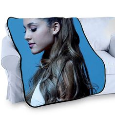 All fleece blankets are white colored with black satin trim Photo Collage Full Color Printing Machine washable and dries quickly High quality blanket, Super-soft, Washable, Anti pilling