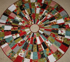 Annie's Christmas Tree Skirt     Christmas Tree Skirt how to:  To make this very easy but 'complicated looking' tree skirt, you will need ...