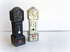 Vintage Grandfather Clocks Salt And Pepper Shakers Wilton Painted Cast Iron Rare…