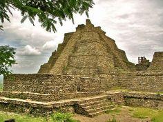 Tonina, Chiapas: Se encuentra pirámide aproximadamente  10 metros más alta que la Pirámide del Sol en Teotihuacan.