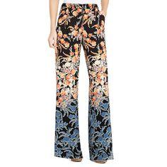 Pantalon taille haute à jambe large.