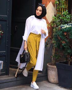 Moon  sm Hijab Casual, Modest Fashion Hijab, Modern Hijab Fashion, Street Hijab Fashion, Hijab Chic, Muslim Fashion, Hijab Mode Inspiration, Mode Outfits, Fashion Outfits