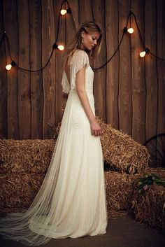 Wedding Dress Designers & Inspiration : Gypsy Heart: The Jenny Packham 2017 Bridal Collection Art Deco Wedding Dress, Vintage Style Wedding Dresses, Dream Wedding Dresses, Boho Wedding Dress, Designer Wedding Dresses, Wedding Gowns, Wedding Art, Tulle Wedding, Mermaid Wedding