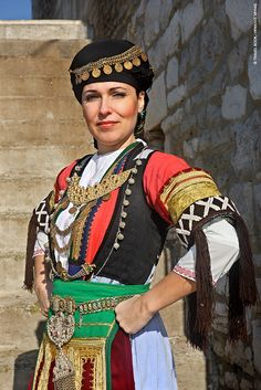 Greek Traditional Dress, Traditional Outfits, Dance Costumes, Greek Costumes, Tribes Of The World, Greece Culture, Greece Photography, Art Photography, Medusa Costume