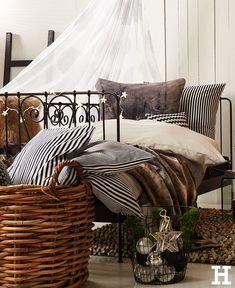 Cuddly home textiles for a hyggeliges home. # meinhöffi - Home Decorations Ikea, Textiles, Outdoor Furniture, Outdoor Decor, Home Textile, Decoration, Room, Design, Home Decor