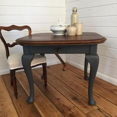 Entertaining then this table extends for for all your family and friends... #winchtable #vintagetable #paintedtable #upcyclingfurniture  #vintageinspiration  #countryliving  #lovinglymade