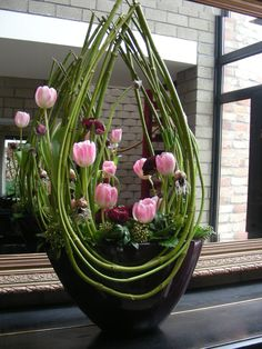 49 Ideas Flowers Design Arrangement Ikebana For 2019 Arrangements Ikebana, Spring Flower Arrangements, Spring Flowers, Floral Arrangements, Purple Flowers, Ikebana Flower Arrangement, Big Flowers, Tropical Flowers, Pink Purple