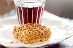 Pukeko Junction recipe: This divine caramel oat slice recipe was requested from Pukeko Junction Cafe in Amberley, Celine from Pukeko Junction said that this recipe is very popular but she's more than happy to share it with us. Oat Slice, Fruit Slice, No Bake Slices, Baking Recipes, Ic Recipes, Baking Ideas, Yummy Recipes, Recipies, No Bake Desserts