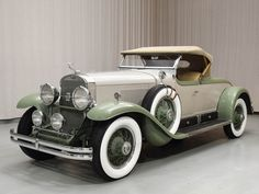 1929 Cadillac Series 341 B Roadster - Hyman Ltd. Buy Classic Cars, Cadillac, Cars Motorcycles, Antique Cars, Automobile, Art Deco, Vehicles, Wheels, Sweet