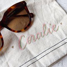 Noëlie | Calligraphique (@calligraphique) • Photos et vidéos Instagram Sunglasses Case, Photos, Instagram, Calligraphy, Objects, Pictures
