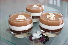 Confectionnez la mousse au chocolat au lait de la même façon que les autres. Versez-la sur la mousse chocolat blanc. Laissez prendre 2h au frais.