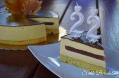 Egyszerűn ez a mousse torta a kedvencemmé vált <3         Hozzávalók (22 cm):   Piskóta:     40 g cukor + 15 g mandula  3 tojássárága +...