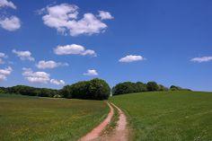 Blauer Himmel, saftig grüne Wiesen - bei einem Ausflug in Münchens Süden fällt es leicht den Alltag eine Weile zu vergessen