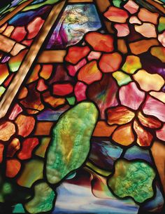 Tiffany Stained Glass, Stained Glass Lamps, Tiffany Glass, Stained Glass Projects, Fused Glass Art, Leaded Glass, Stained Glass Windows, Mosaic Projects, Studio Lamp