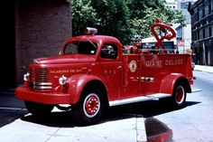 """Basic informational details are contained within each photo's file-name. NOTE: This is entirely a home-produced product with no label artwork, CD case, insert, fancy graphics, or captions appearing with the images - just a basic, plain disc in a white paper sleeve with an excellent selection of interesting fire engine photos from the """"City of Brotherly Love"""" as Philly is known. 
