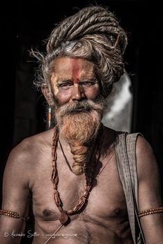 Sadhu du Népal Plus Yoga India, India India, Cultures Du Monde, Steve Mccurry, Tribal People, World Religions, Weird World, People Around The World, First World