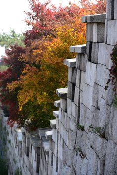Seoul City Wall at Seongbuk-Dong, Seoul, Korea