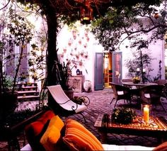 love this bohemian outdoor area #outdoorliving #courtyard