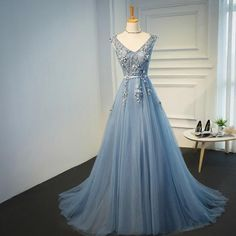 Elie saab blue evening dresses 2018 plus size tulle appliques long for Floral Prom Dresses, Evening Dresses Plus Size, Cheap Evening Dresses, Tulle Prom Dress, Tulle Lace, Bridesmaid Dresses, Lace Up, Elie Saab, Long Formal Gowns