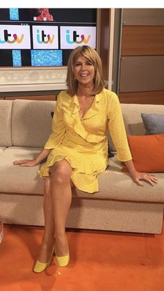 Kate Garraway shares adorable rare photograph of her son, William – dressed up as her in a wig and makeup! Kate Galloway, Susannah Reid, Charlotte Hawkins, Tv Girls, Pantyhose Outfits, Tv Presenters, Sexy Older Women, Women Legs, Famous Women